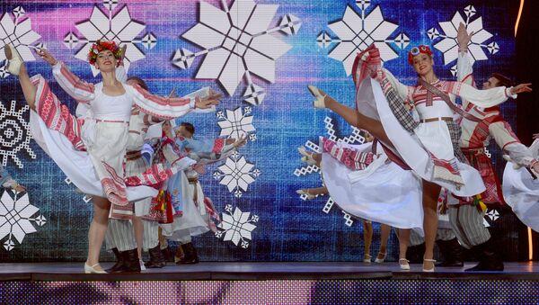 Государственный академический ансамбль танца Беларуси на открытии XXVII Международного фестиваля искусств Славянский базар в Витебске - Sputnik Беларусь
