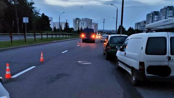 Пассажир выпал из микроавтобуса прямо во время движения в Гродно - Sputnik Беларусь
