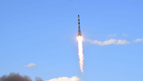 Пуск РК Союз-2.1а с грузовым кораблем Прогресс МС-15 с космодрома Байконур - Sputnik Беларусь