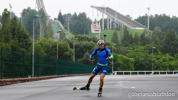 Белорусский биатлонист Антон Смольский - Sputnik Беларусь