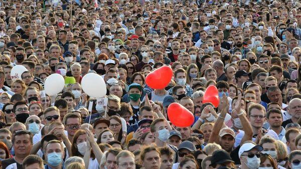 Митинг-концерт в столичном парке - основное предвыборное мероприятие объединенного штаба - Sputnik Беларусь