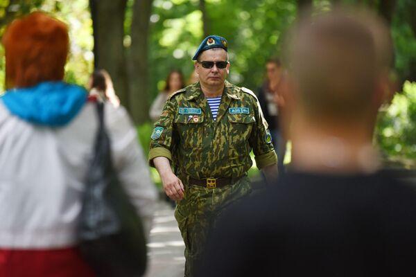 Гомельcкие десантники праздновали 90 лет ВДВ - Sputnik Беларусь