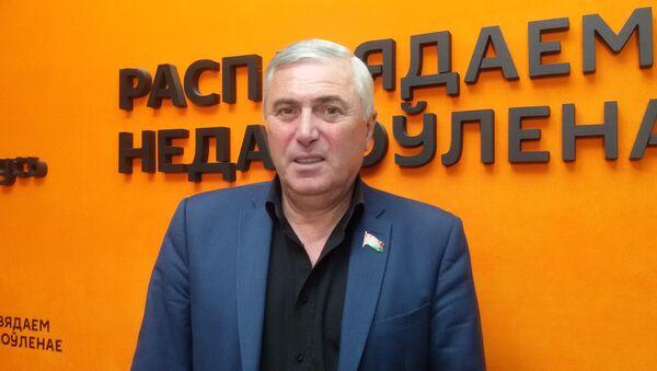 Депутат Палаты Представителей, тележурналист Тенгиз Думбадзе - Sputnik Беларусь