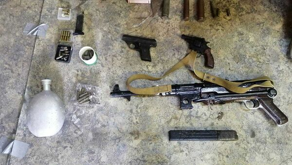 Житель Мозыря хранил дома гранаты и автомат МР-38 - Sputnik Беларусь