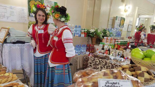 Буфет на избирательном участке в Витебске - Sputnik Беларусь