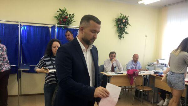 Последним из кандидатов сегодня свой голос отдал Сергей Черечень - Sputnik Беларусь
