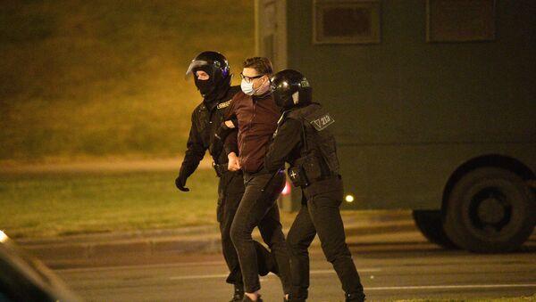 В Минске начались задержания протестующих против итогов выборов президента - Sputnik Беларусь