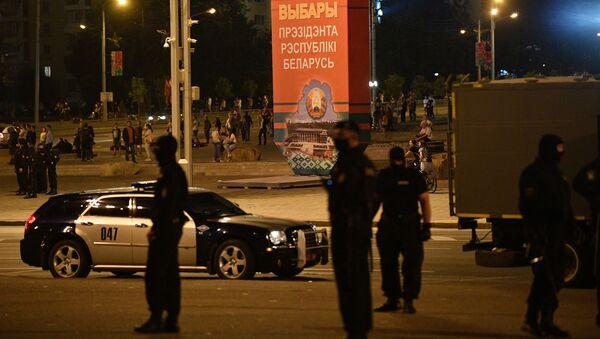 МВД полностью контролирует ситуацию в Минске и регионах - Sputnik Беларусь