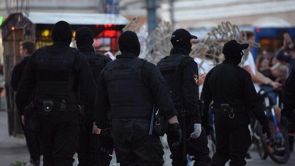 Силовики в Гомеле во время акции протеста - Sputnik Беларусь