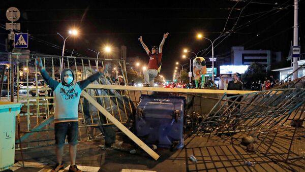 Протесты и беспорядки в Минске после президентских выборов - Sputnik Беларусь