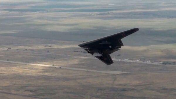Испытания боевого беспилотного авиационного комплекса Охотник - Sputnik Беларусь