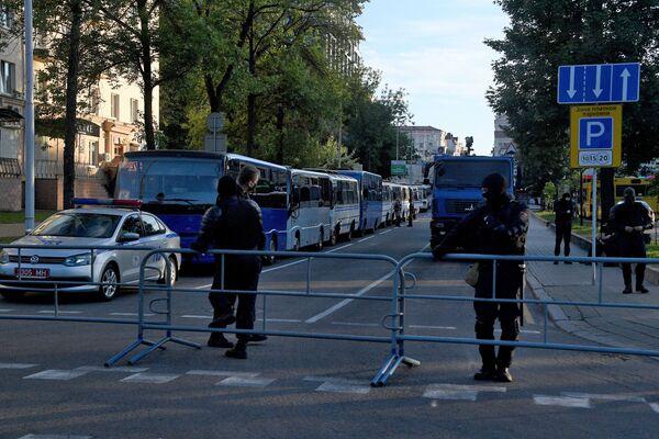 В Минске продолжаются массовые беспорядки после выборов президента Беларуси - Sputnik Беларусь