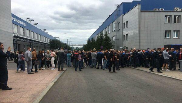 Акцыя пратэсту праходзіць на заводзе БелАЗ у Жодзіне - Sputnik Беларусь