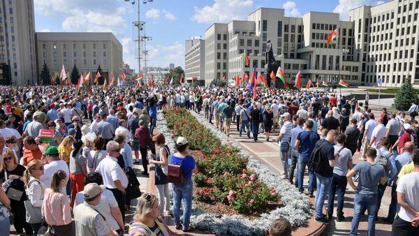 На площади Независимости - Sputnik Беларусь