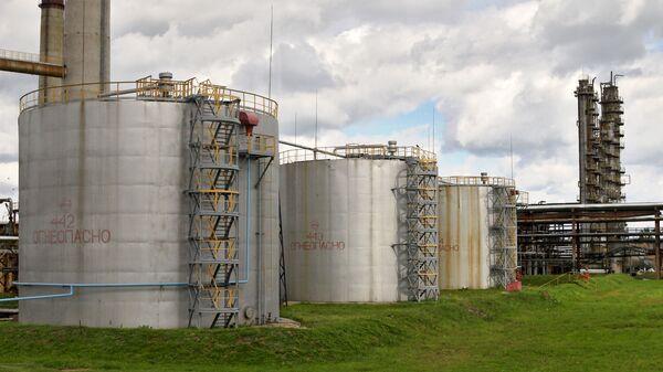 Нефтеперерабатывающий завод Нафтан в Новополоцке - Sputnik Беларусь