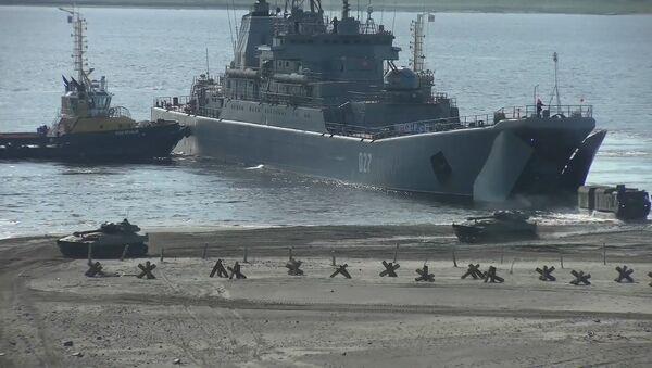 Дэсант на беразе Енісея: вучэнні Паўночнага флота Расіі на Таймыры - відэа - Sputnik Беларусь