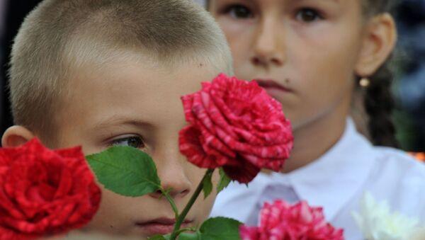 1 сентября в средней школе в деревне Озераны Житковичского района - Sputnik Беларусь