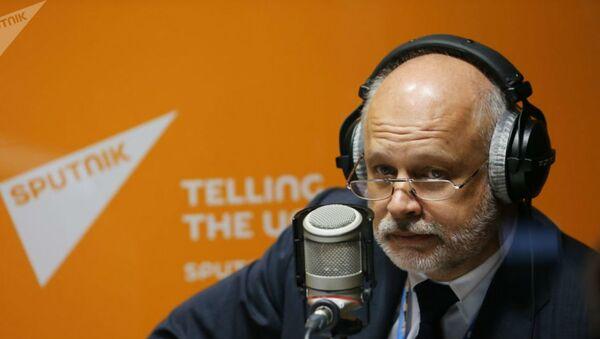 Доктор экономических наук, профессор НИУ ВШЭ Владимир Саламатов  - Sputnik Беларусь
