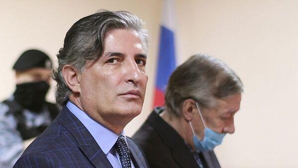Адвокат Эльман Пашаев и его подзащитный актер Михаил Ефремов - Sputnik Беларусь