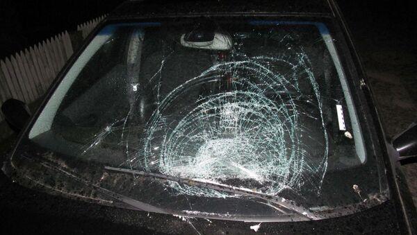 Разбитое в машине стекло - Sputnik Беларусь