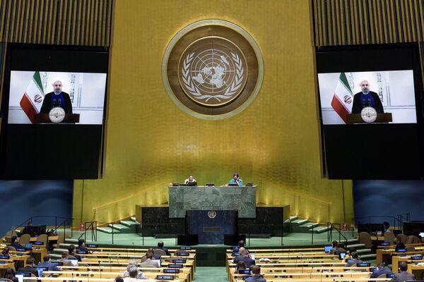 Президент Исламской республики Иран Хасан Роухани во время выступления на виртуальной сессии ООН - Sputnik Беларусь