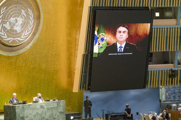 Президент Бразилии Жаир Мессиас Болсонару во время выступления на виртуальной сессии ООН - Sputnik Беларусь
