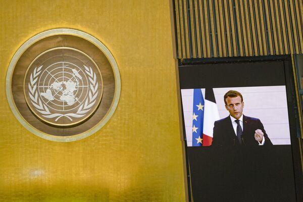 Президент Франции Эммануэль Макрон во время выступления на виртуальной сессии ООН - Sputnik Беларусь