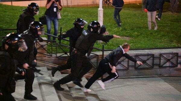 На акции протеста в Минске - Sputnik Беларусь