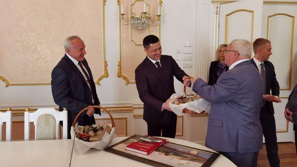 Визит губернатора Псковской области в Витебск - Sputnik Беларусь