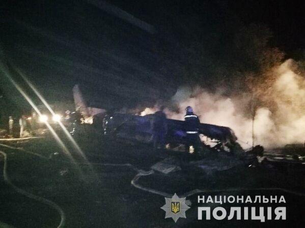 На борту транспортника находились 27 человек - 20 курсантов и семь членов экипажа. - Sputnik Беларусь