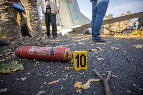 Поисковые работы на месте происшествия продолжались до утра субботы. - Sputnik Беларусь