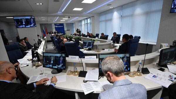 Работа секции по промышленной политике в рамках седьмого Форума регионов Беларуси и России - Sputnik Беларусь