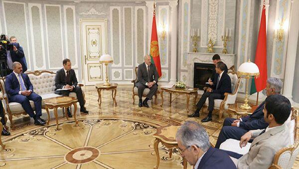 Встреча президента Беларуси Александра Лукашенко с председателем совета директоров компании Emaar Properties Мухаммедом Али аль-Аббаром - Sputnik Беларусь