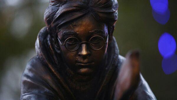 Памятник Гарри Поттеру в Лондоне - Sputnik Беларусь