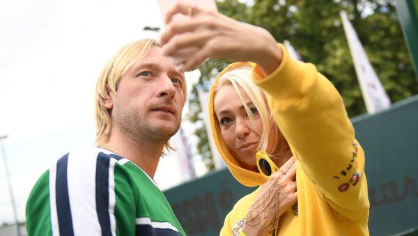 Фигурист Евгений Плющенко с супругой Яной Рудковской - Sputnik Беларусь