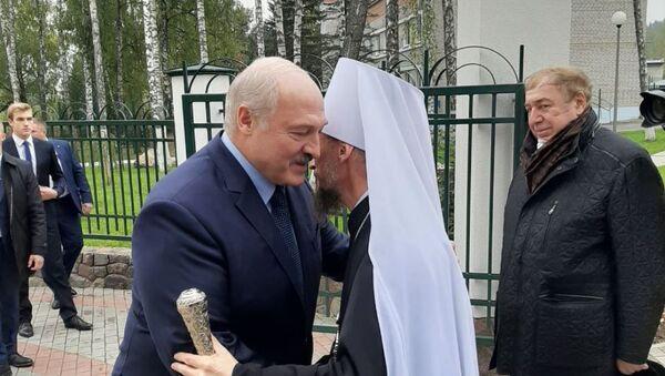 Президент Александр Лукашенко и глава БПЦ митрополит Вениамин - Sputnik Беларусь