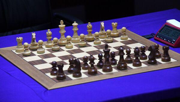 Шахматная доска с фигурами на шахматном турнире - Sputnik Беларусь