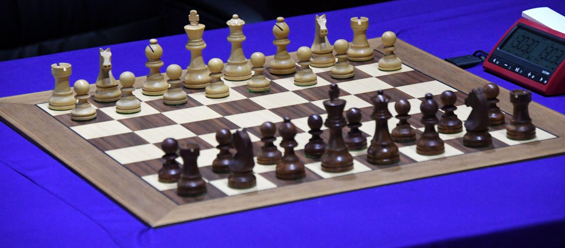 Шахматная доска с фигурами на шахматном турнире - Sputnik Беларусь, 1920, 06.10.2020