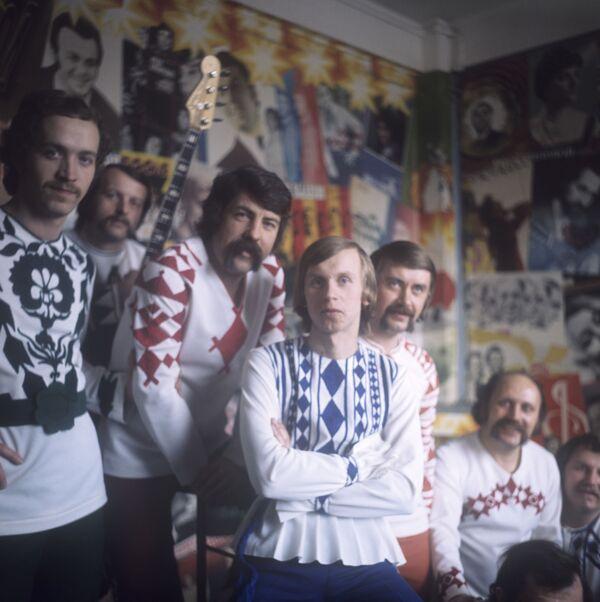 Коллектив вокально-инструментального ансамбля Песняры, 1976 год. - Sputnik Беларусь