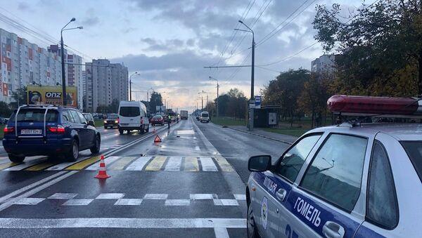 Смертельное ДТП в Гомеле утром 16 октября: пешеход погиб под колесами микроавтобуса - Sputnik Беларусь