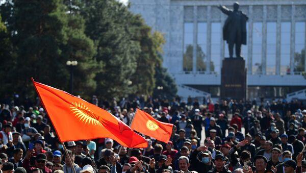 Парламент Киргизии утвердил назначение Жапарова на пост премьер-министра - Sputnik Беларусь