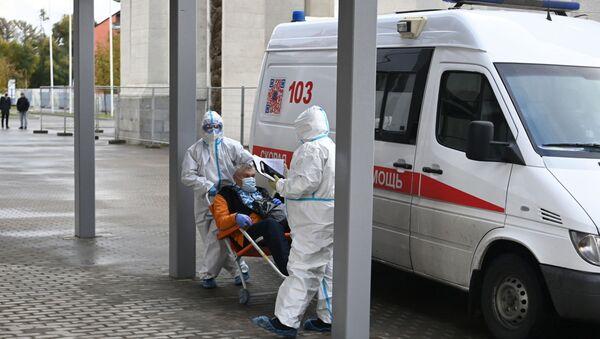 Первые пациенты начали поступать во временный госпиталь COVID-19 на ВДНХ - Sputnik Беларусь