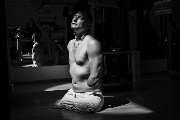 Снимок российского фотографа Павла Волкова, входящий в ставшую лучшей серию Алексей Талай в номинации Спорт конкурса имени Андрея Стенина - Sputnik Беларусь