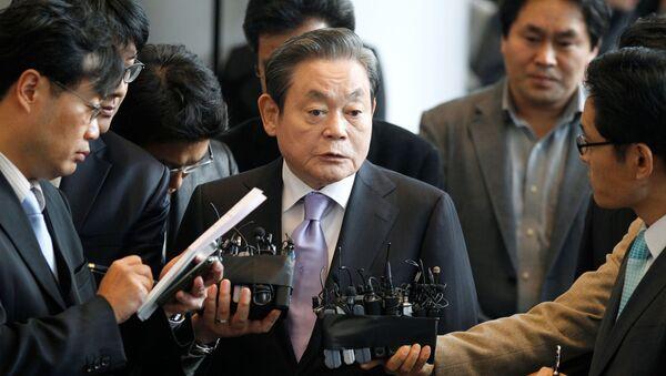 Председатель Samsung Ли Гон Хи - Sputnik Беларусь