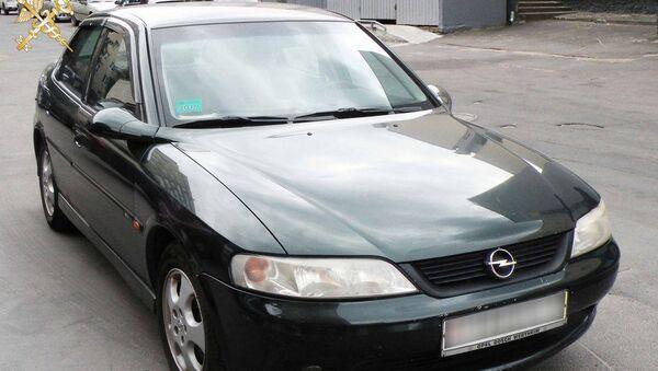 Гомельчанин ввез в Беларусь 12 легковых авто по поддельным VIN-номерам - Sputnik Беларусь