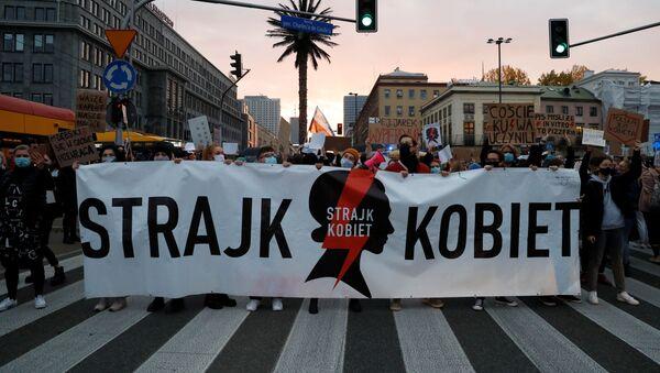 Протест против введения дальнейших ограничений закона об абортах в Варшаве - Sputnik Беларусь