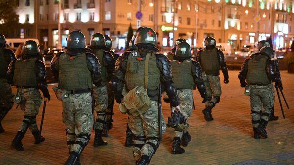 Силовики на улицах Минска - Sputnik Беларусь