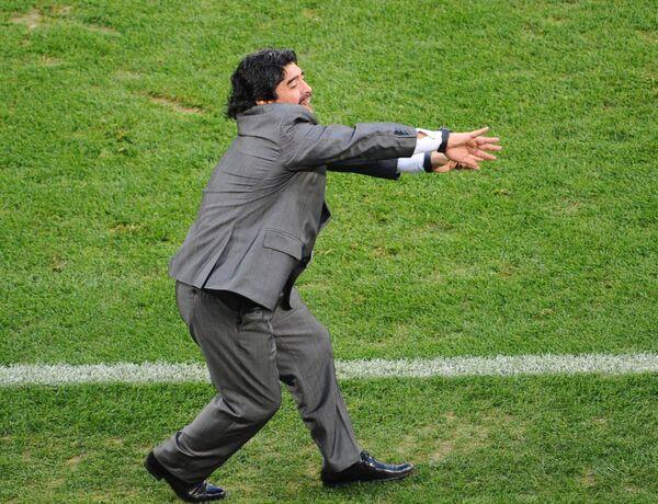 Марадона ликует. Сборная Аргентины  вышла в четвертьфинал чемпионата мира 2010 года. - Sputnik Беларусь