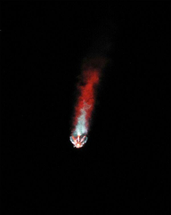 Старт ракеты Falcon 9 с кораблем Crew Dragon - Sputnik Беларусь