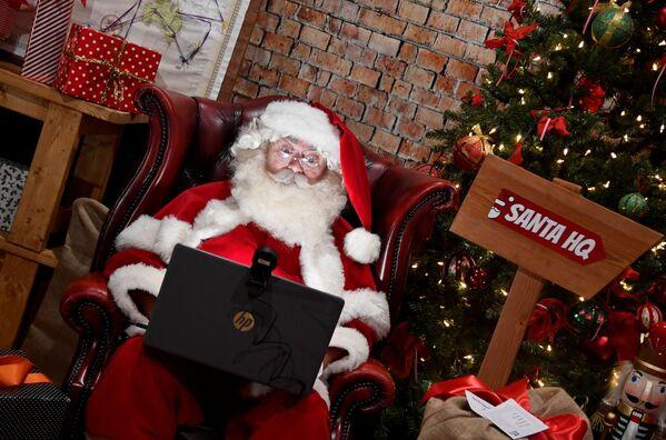 Санта-Клаус поздравляет с Рождеством онлайн - Sputnik Беларусь